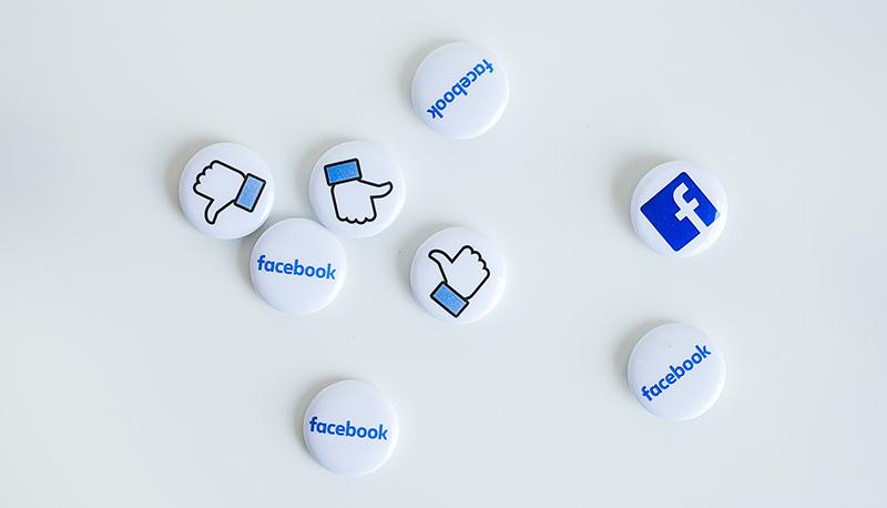 Behalve dat sommige winkeliers ook zelf een eigen Facebook account heeft, delen wij op onze eigen Facebook de berichten van de winkeliers gevestigd op het winkelcentrum. Zo blijft u op de hoogte van alle nieuwtjes, aanbiedingen en acties. Dus wordt snel vriend van onze Facebook!